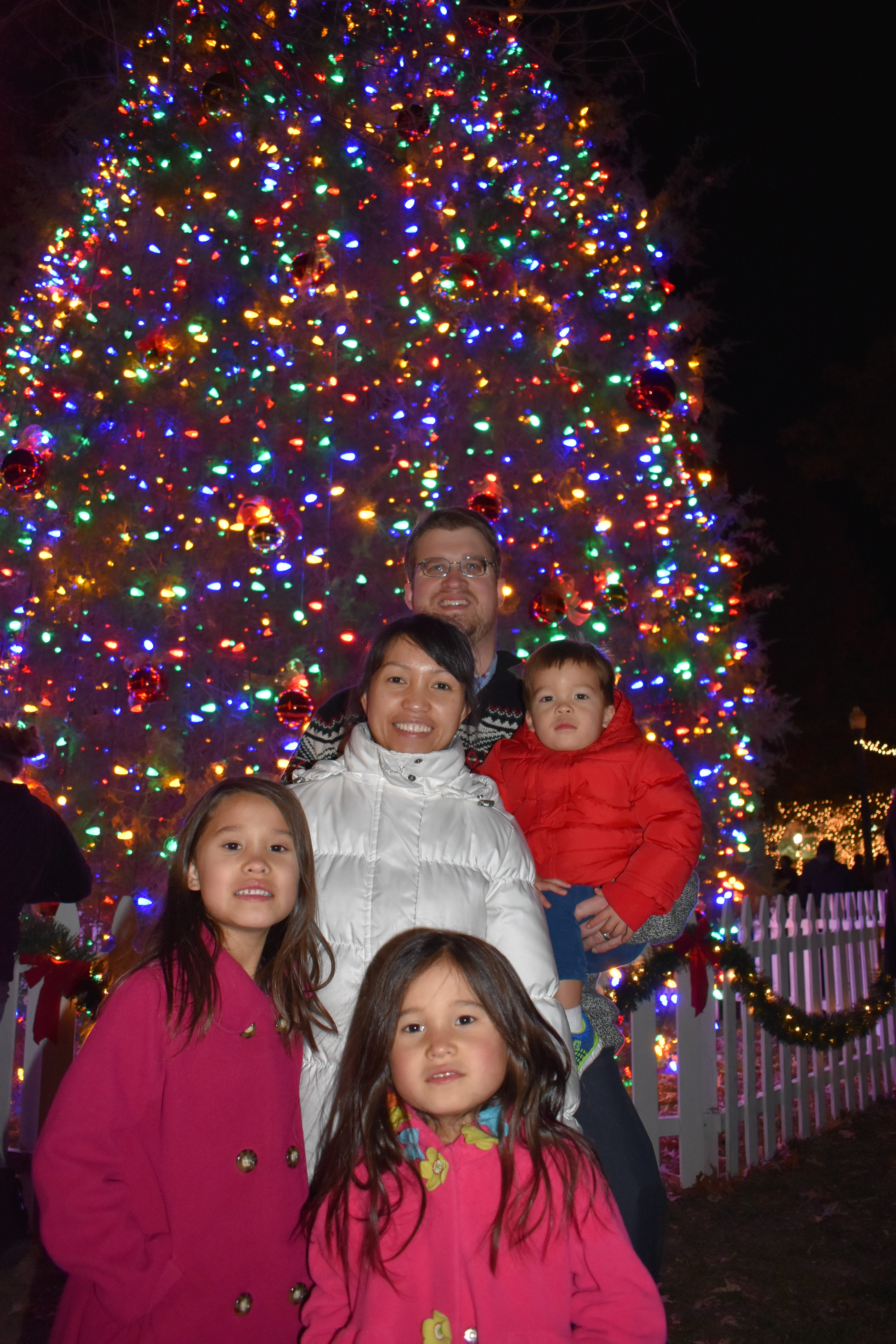 The annual Christmas Tree Lighting on the Collierville Town Square is the perfect way to kick-off Christmas! Hot chocolate was served local childrenu0027s ...  sc 1 st  Tour Collierville & Collierville Christmas Tree Lighting u2013 Tour Collierville