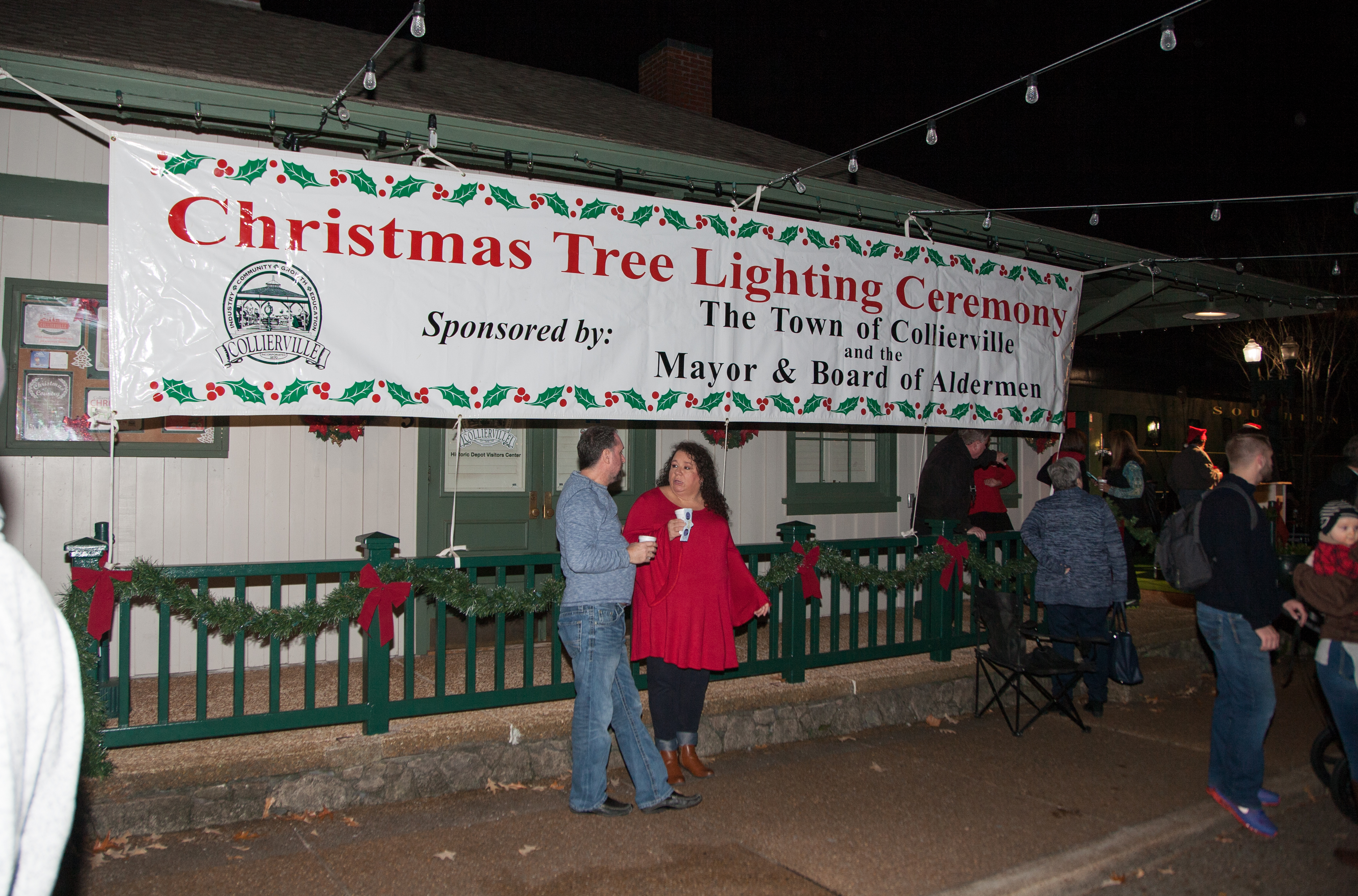 The annual Christmas Tree Lighting on the Collierville Town Square is the perfect way to kick-off Christmas! Hot chocolate was served local childrenu0027s ... & Collierville Christmas Tree Lighting u2013 Tour Collierville
