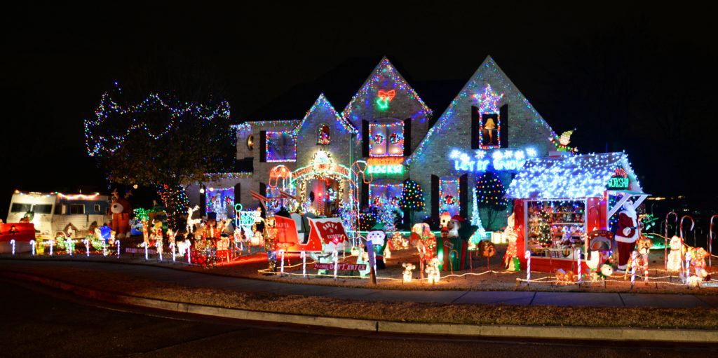 to enjoy the tour and the time slots were filled in record time according to one commission member enjoy the 2017 christmas light tour gallery below - Christmas Light Tour